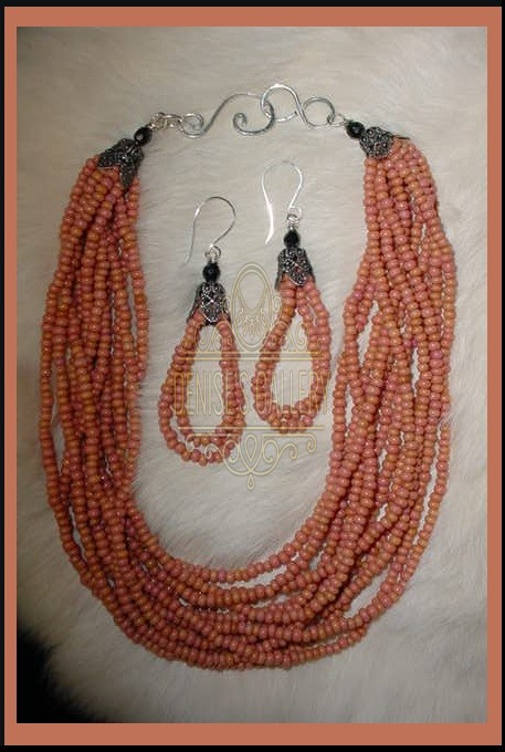 VINTAGE CHEYENNE PINK GLASS PONY BEAD NECKLACE/EARRING SET